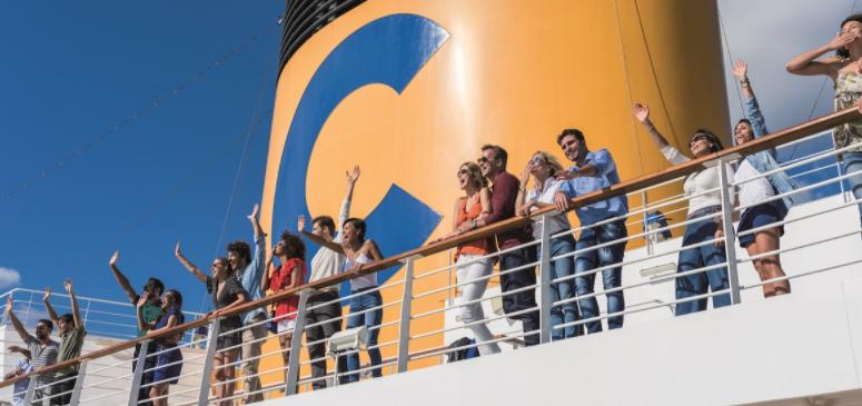immagine persona su nave costa